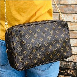 Louis Vuitton crossbody clutch cosmetic pouch